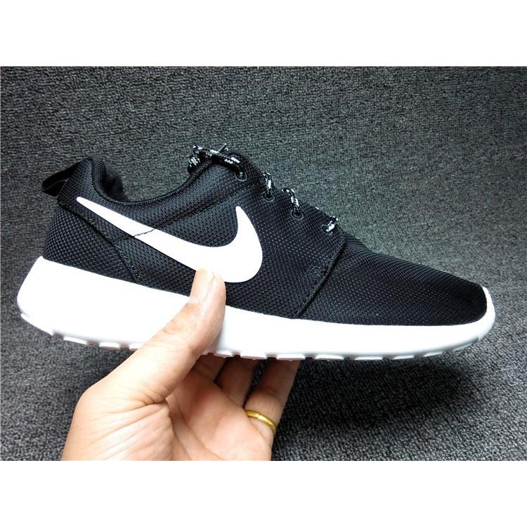 降價處理耐克Nike Roshe Run Casual Shoes 黑白男鞋女鞋童鞋 鞋慢