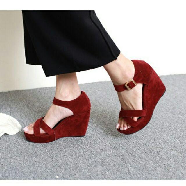 優雅絨質交叉環帶一字釦厚底楔型涼鞋(3 色)現預
