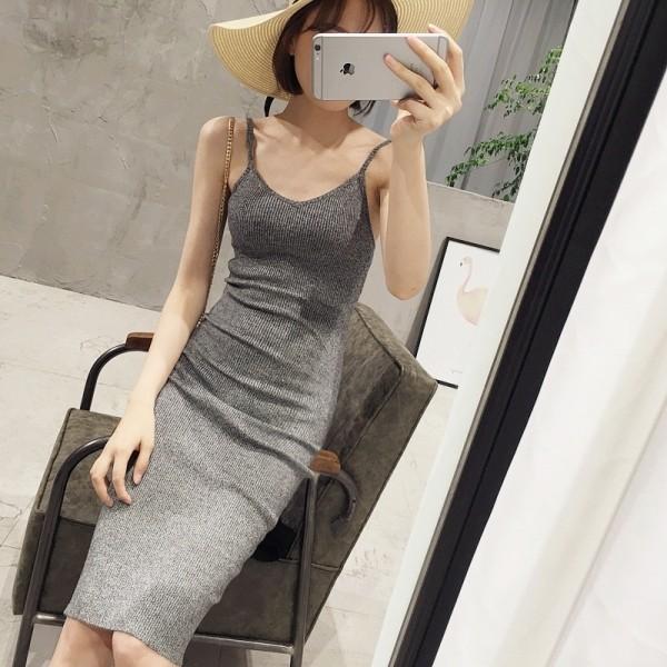 V 領性感針織吊帶連衣裙無袖背心裙包臀中長款修身顯瘦沙灘裙