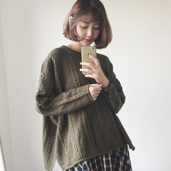 3 色  慵懶寬松毛衣女加厚圓領套頭小清新學生打底針織衫