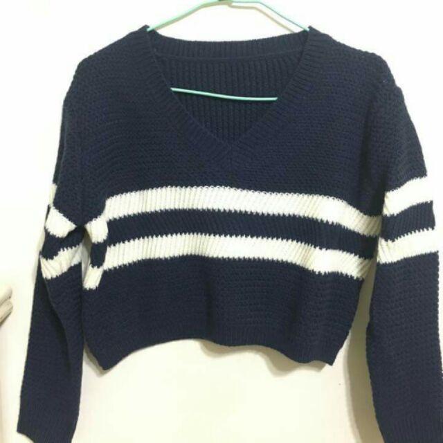 深藍色V 領白橫紋短版毛衣