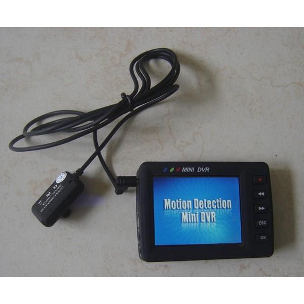 搖控啟動鈕扣針孔CCD 鏡頭攝影機2 5 吋DVR 監視器行車紀錄器可遙控