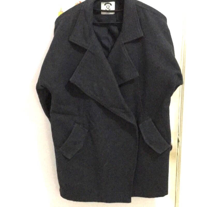 Queen shop 西裝版型羊毛呢短大衣