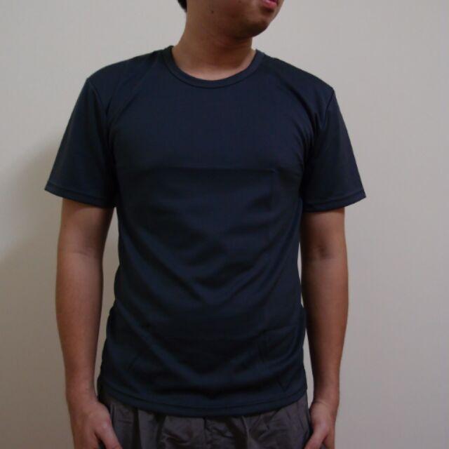 小工廠~排汗短T ~ 價125 元 排汗布料透氣舒適輕便素面短T 寬鬆