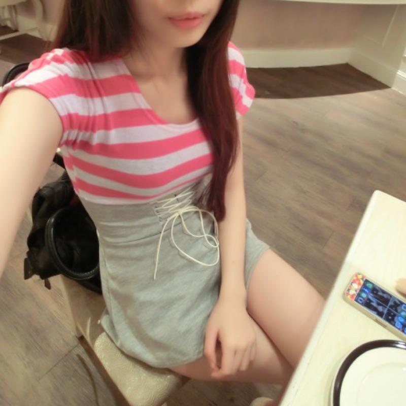桃紅條紋縮腰洋裙腰身