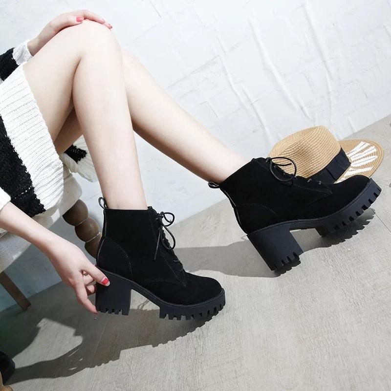 ▶▶百搭鞋櫃▶▶英倫風粗跟系帶馬丁靴短靴女高跟防水臺 裸靴百搭單靴短筒靴子