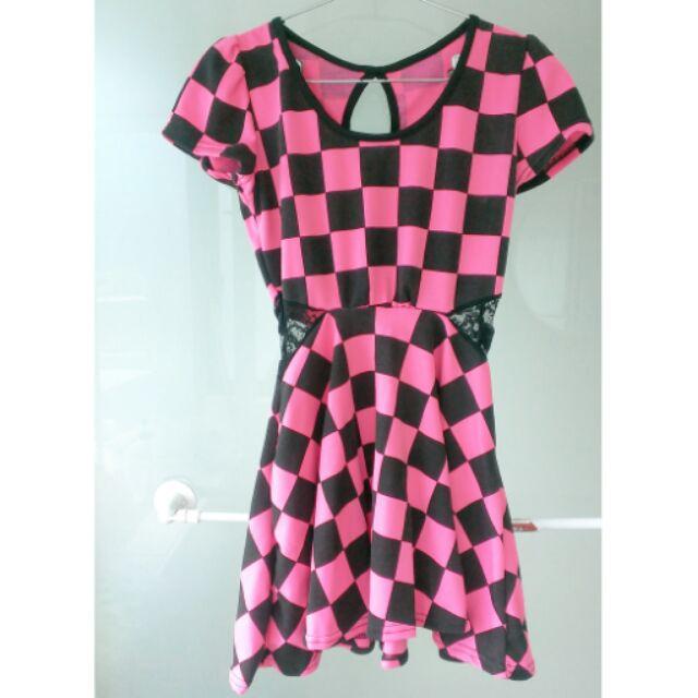 短袖腰間簍空拼接蕾絲顯瘦洋裝
