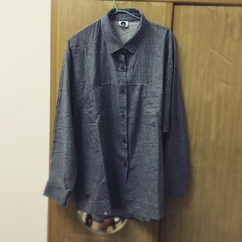Spadee  target 男生長袖寬版襯衫兩色(牛仔藍鐵灰黑色)黑人頭女生大尺寸