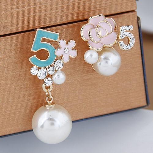 3 色 甜美OL 百搭5 字珍珠花朵不對稱氣質耳釘防過敏