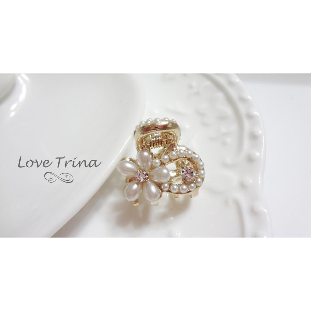 ~Love Trina ~韓國 ~正韓✈5913 0911 ~精緻珍珠小白花朵小抓夾~鯊魚