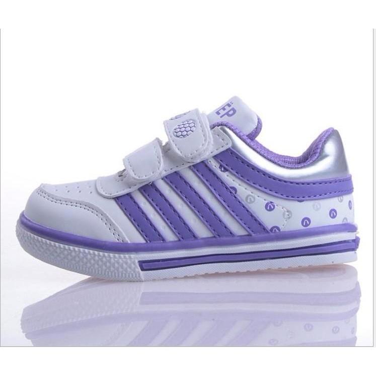 外銷正品童鞋豬皮內裏、 皮料、透氣舒適男童女童休閒鞋 鞋藍色28 號鞋內17 5CM