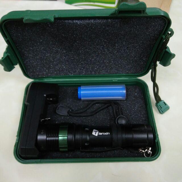~滿額~精裝版CREE 旋轉式 18650 Q5 充電式旋轉變焦加強升級版強光手電筒