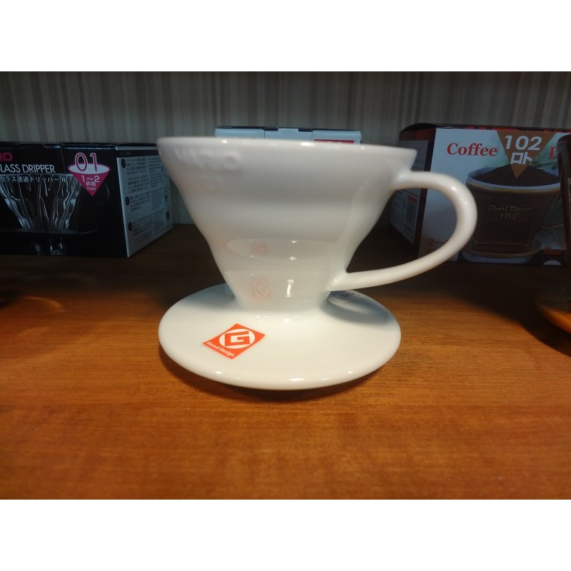 鉅咖啡HARIO 01 磁石陶瓷濾杯圓錐螺紋 白1 2 杯用VDC 01W  1 4 杯用