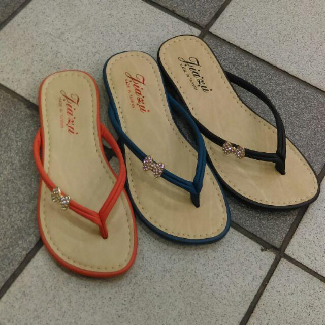 黑_23 藍_24 號 ( 又實穿)貼鑽平底夾腳拖鞋款 299 , 150 (現)