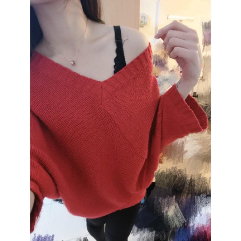 露肩紅色針織長版衣
