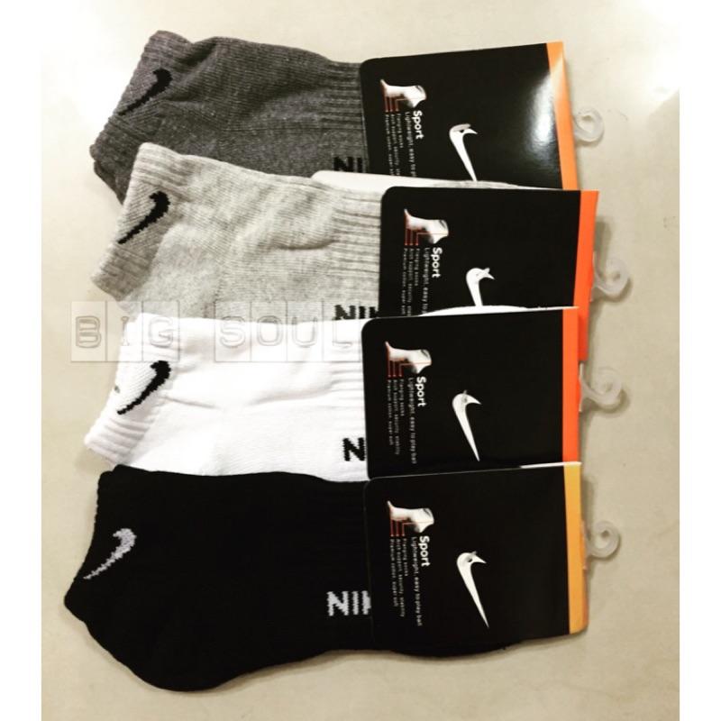 Nike 毛巾厚底短襪NIKE 款透氣吸汗防臭加厚毛巾底 襪船型襪短襪 愛迪達