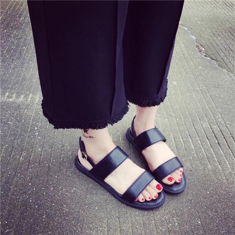 ✨香港 ✨魚嘴平底皮質一字釦帶日系涼鞋兩色