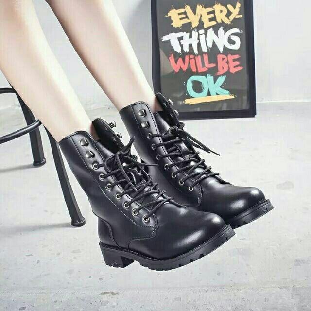 大 42 真皮牛皮 綁帶軍靴拳擊靴機車靴英倫風 前繫帶平底馬丁靴復古中跟短靴騎士靴情侶鞋低
