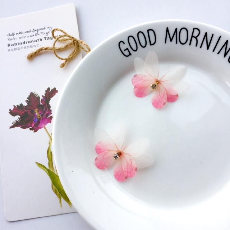 櫻花桃花粉色漸變色雙層立體真絲薄紗絹蝴蝶絲絹水鑽水晶珍珠可愛純銀注金極簡約蝴蝶耳環耳針耳釘