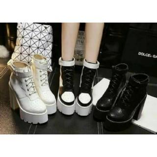 實拍A 風恨天高女靴超高跟防水台厚底鋸齒朋克 搭扣粗跟短靴軍靴
