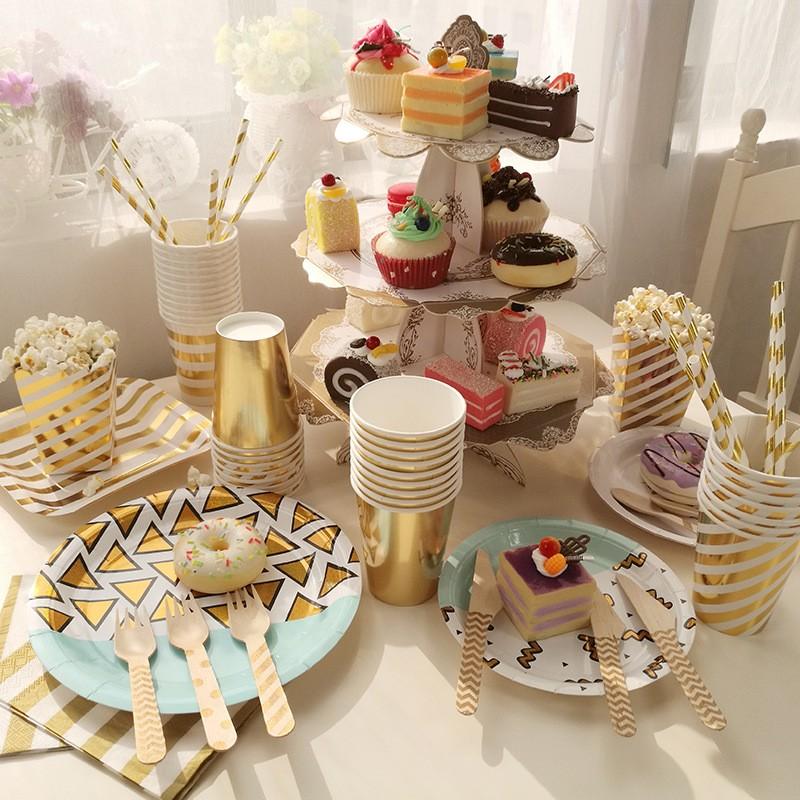 高貴燙金專題:成人兒童生日派對紙盤套裝裝飾裝扮道具奢華派對主題蛋糕架點心架燙金紙盤紙杯紙巾