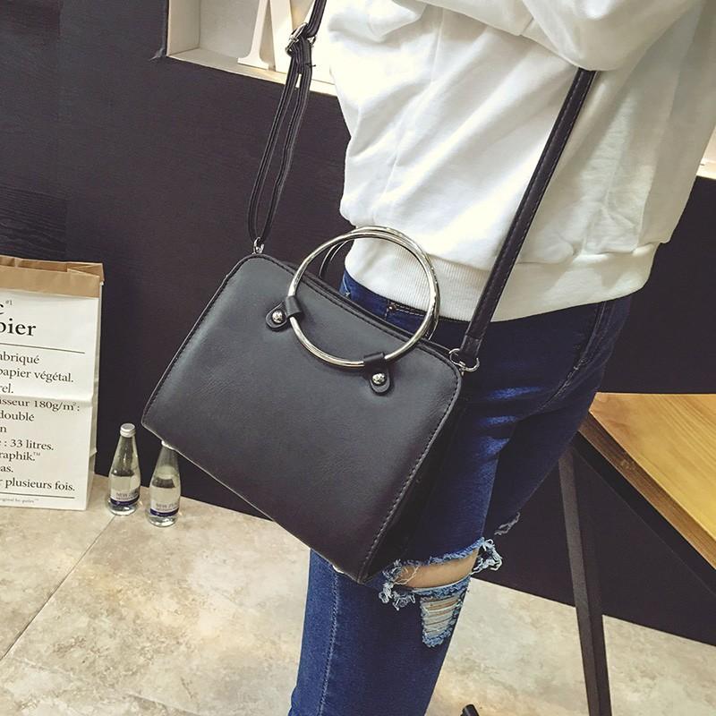 B25 金屬環側背包~斜背包手提包小包簡約素色肩背包俐落學院韓風 日韓國
