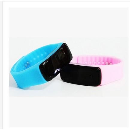 買一送一LED 非智能觸屏情侶手錶手環男學生兒童女學生男孩韓國電子錶