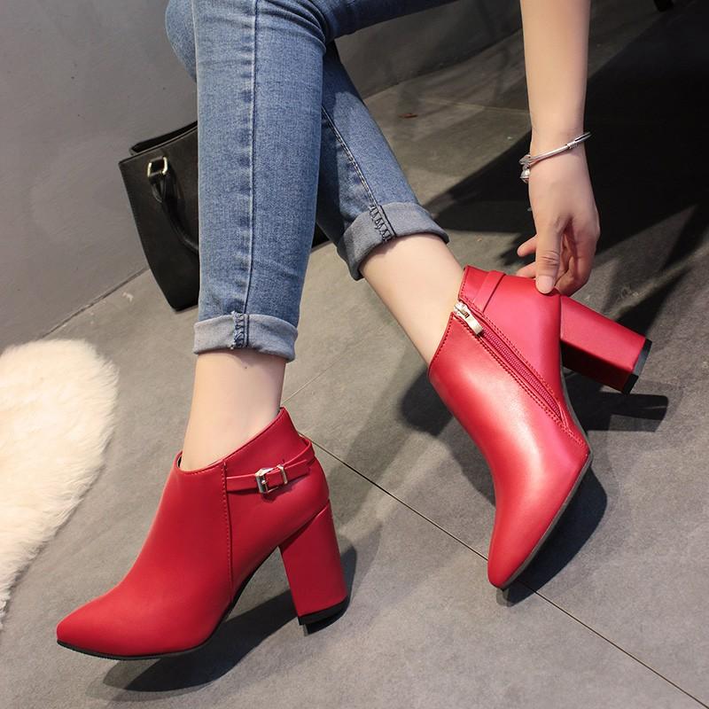 秋款馬丁靴女裸靴短靴尖頭粗跟中跟單鞋女靴子英倫風女鞋婚鞋紅