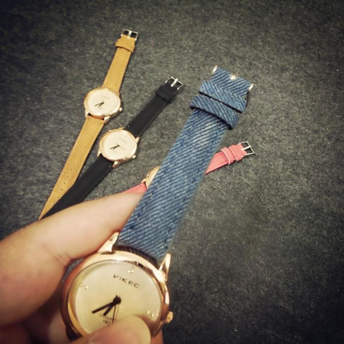 VIKEC 韓國 簡約小巧牛仔布帶復古原宿風女士手錶 潮流女錶學生表