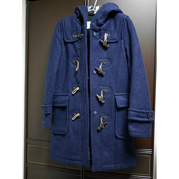 藏青色牛角扣毛料大衣