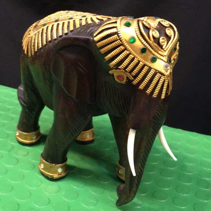 泰國木頭大象(可拜四面佛)