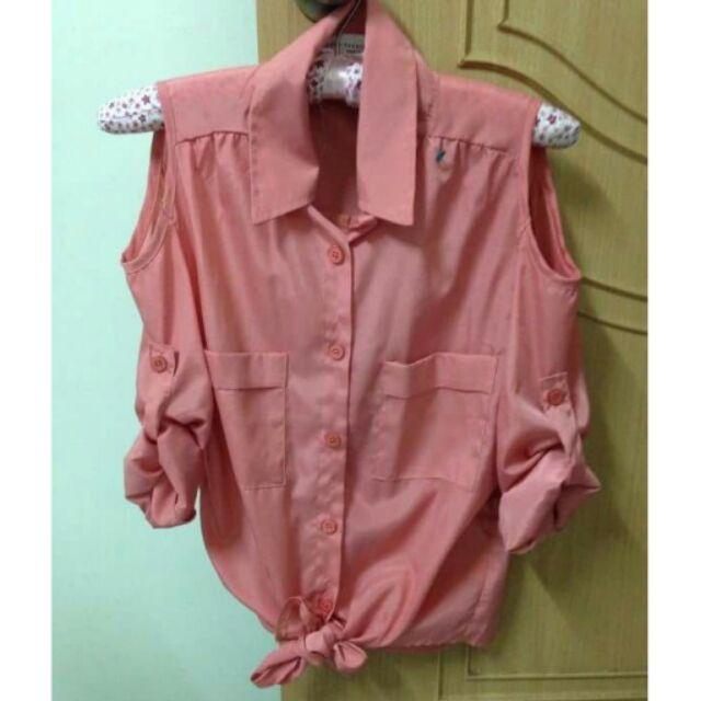 前長後短綁腰蝴蝶結粉紅色絲質露肩挖肩長袖襯衫上衣
