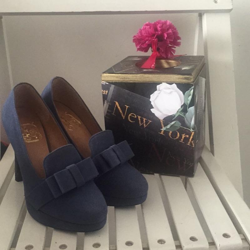 9 公分藍色細跟謝師宴高跟鞋春夏 款22 5 公分賠售
