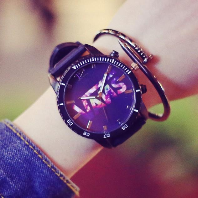 潮遍這๑都市๑韓國復古風 街頭女 彩色星空 大表盤手表學生情侶表潮男