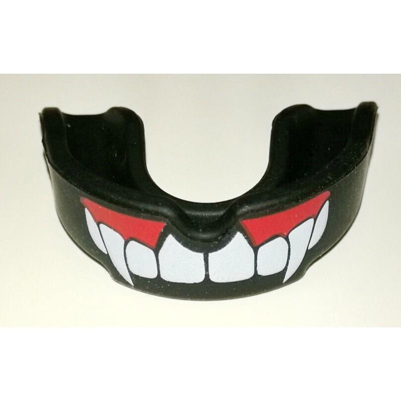 ~客滿來~升級款吸血鬼黑色軟Q 版 籃球護齒MMA 護齒散打牙套足球護齒套可咬合可咀嚼免定