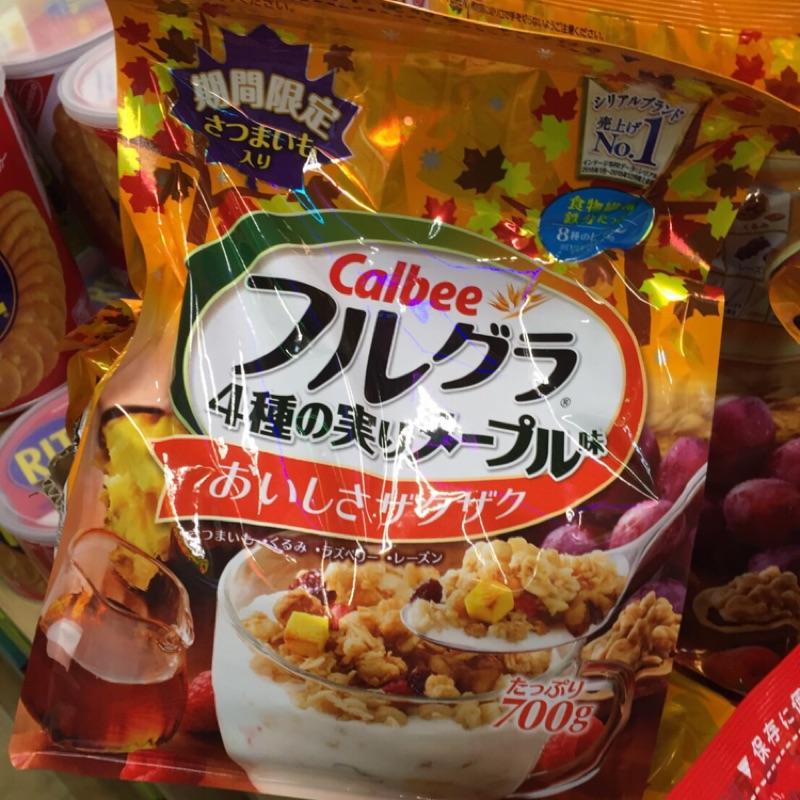Calbee 雜糧麥片700g 楓糖口味)