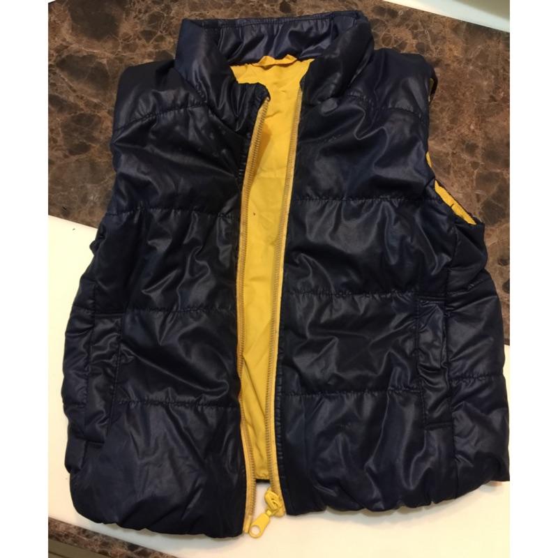 Uniqlo 男童鋪棉背心尺寸90cm