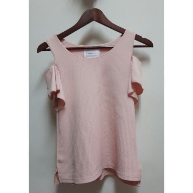 粉嫩色蝴蝶袖露肩上衣~韓國製S 適穿