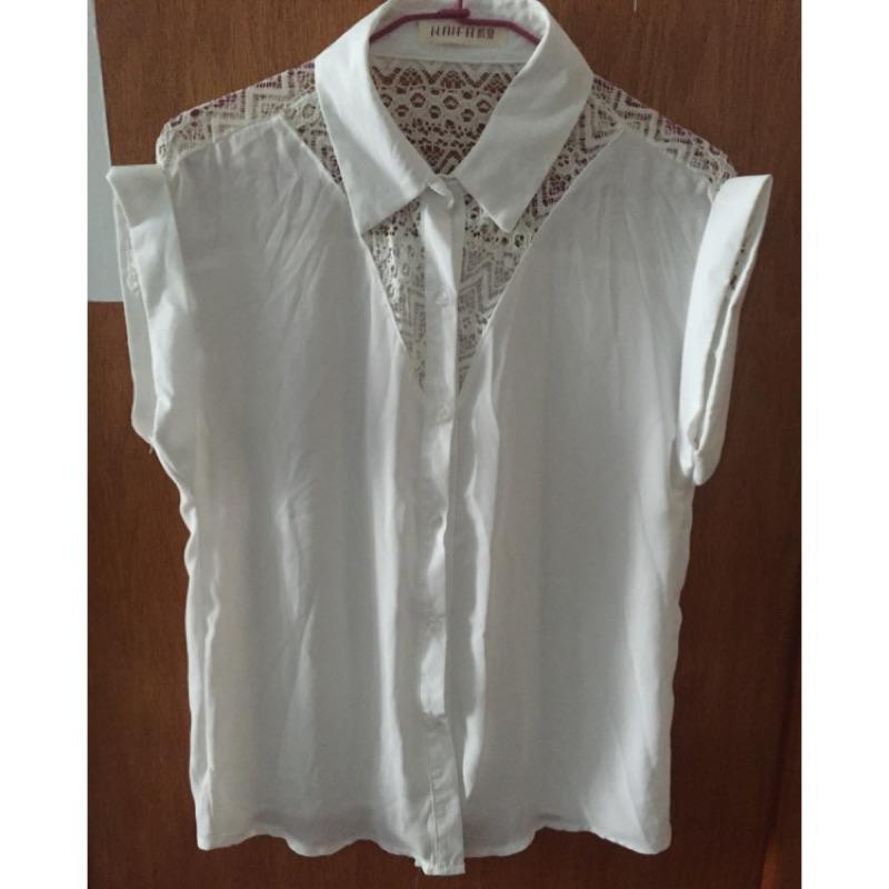 白色蕾絲鏤空無袖雪紡襯衫