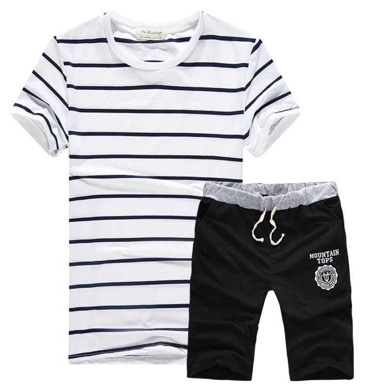 桑妮的潮男 ♂️男裝夏短袖T 恤休閒 套裝 修身條紋圓領T 恤短褲五分褲