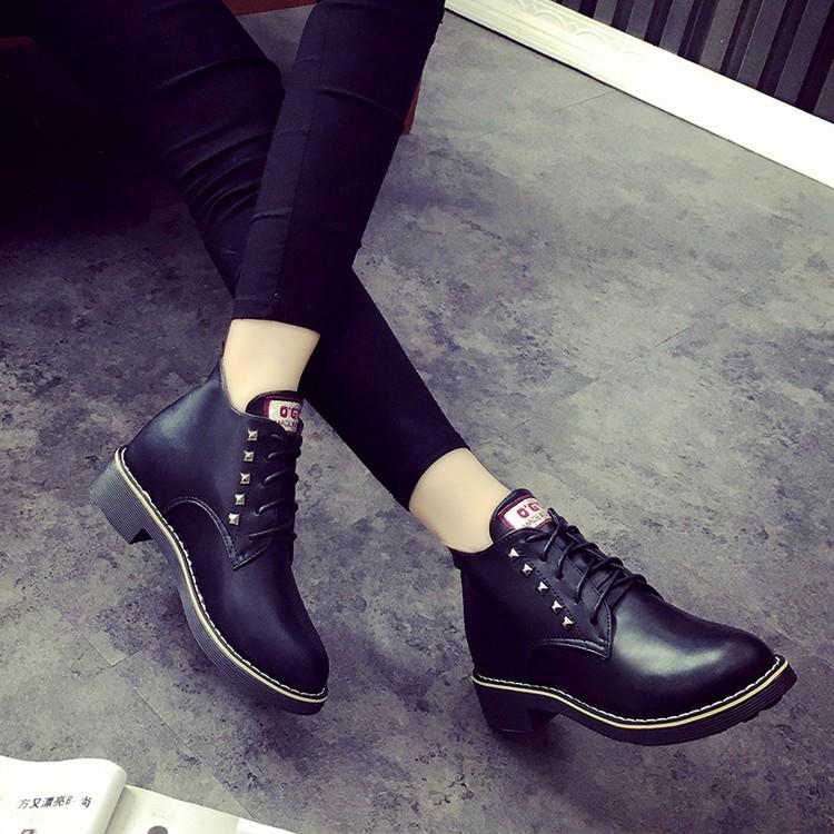 馬丁靴女英倫學院風女鞋秋款系帶高幫鞋鉚釘布洛克皮鞋平底短靴子