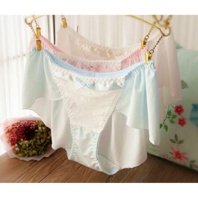 ( 賣完不追加)日系外貿原單中低腰牛奶絲蕾絲緞帶蝴蝶結裙擺式三角褲