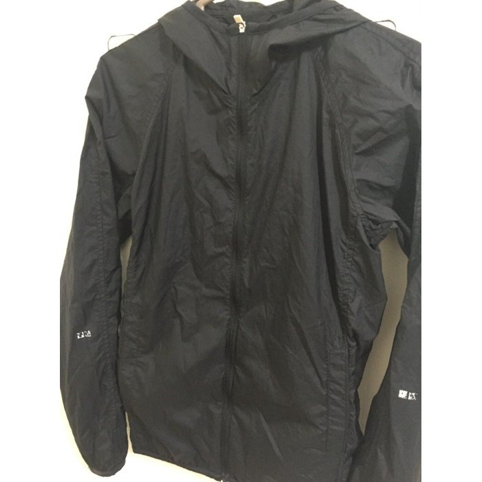 UNIQLO 黑薄騎士外套