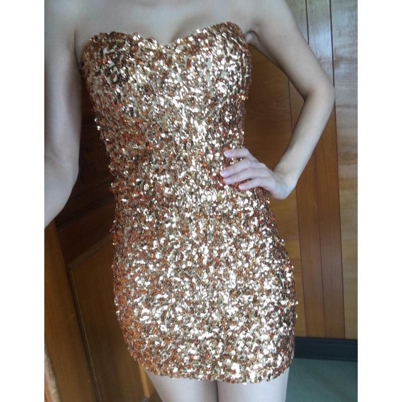 金色亮片平口合身包臀洋裝
