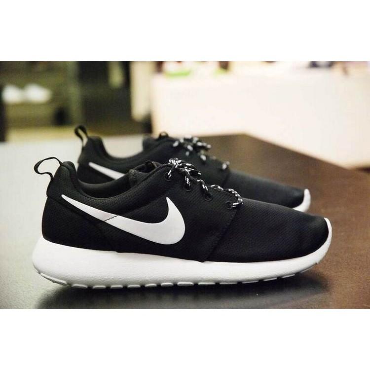 秒發NIKE ROSHE RUN 純黑網面透氣 鞋 黑白男鞋跑步鞋耐克女鞋小倫敦跑鞋