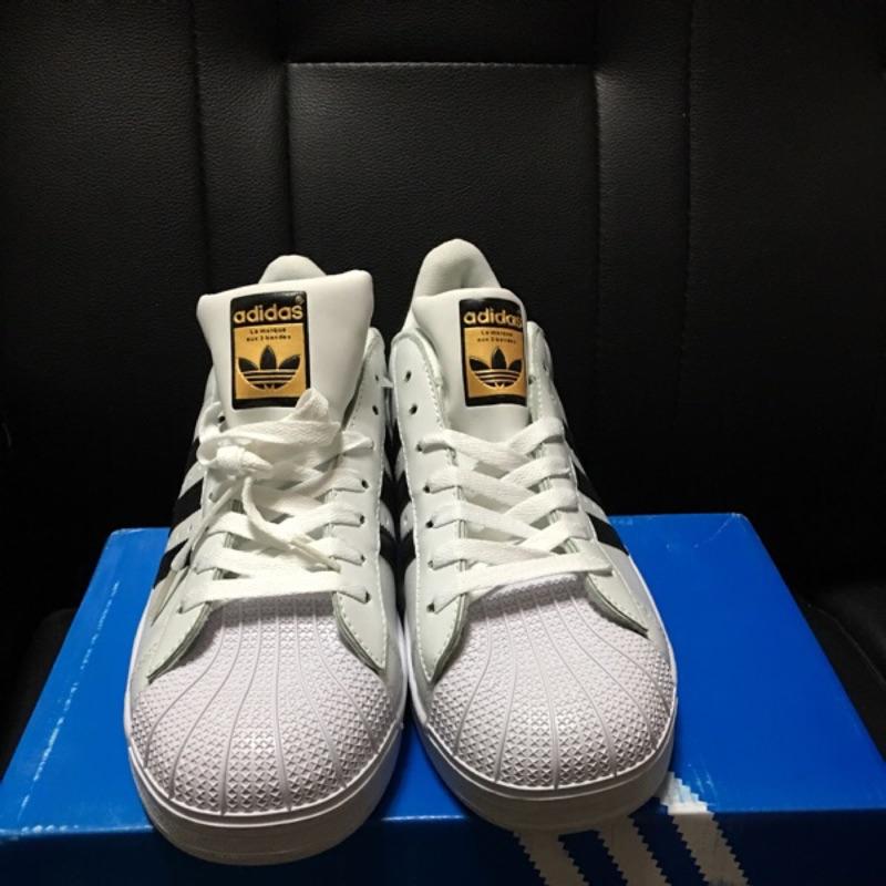 Adidas Superstar 金標男女貝殼三線百搭真新余文樂板鞋正白黑情侶雜誌
