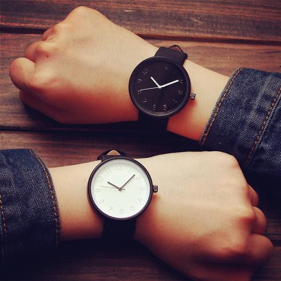 女性圓形錶盤手錶矽膠數字石英表男裝女裝腕錶
