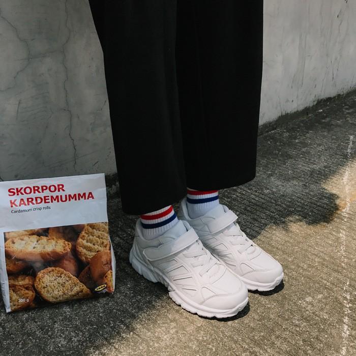 正韓 鞋韓劇白色 鞋魔術貼跑步鞋慢跑鞋休閒鞋女学生