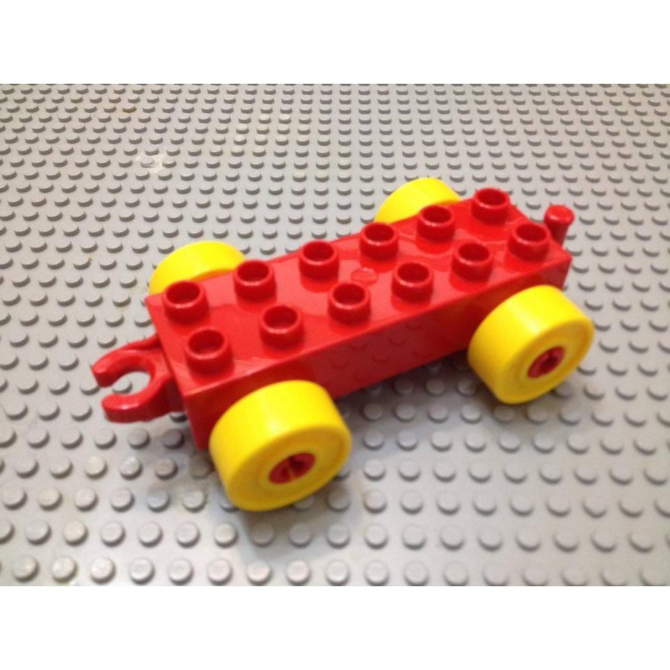 ~點點小豆~LEGO 樂高積木DUPLO 得寶紅色車子盤一個一組如圖!