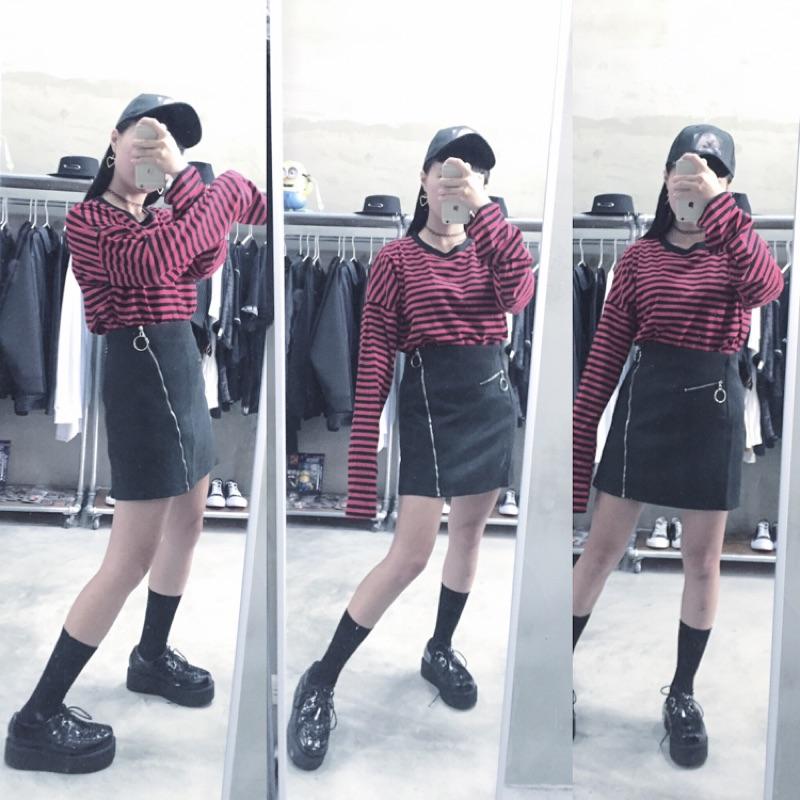 紅黑條紋超長長袖衣顯瘦銀圈 拉鍊窄裙照片老帽(黑白)